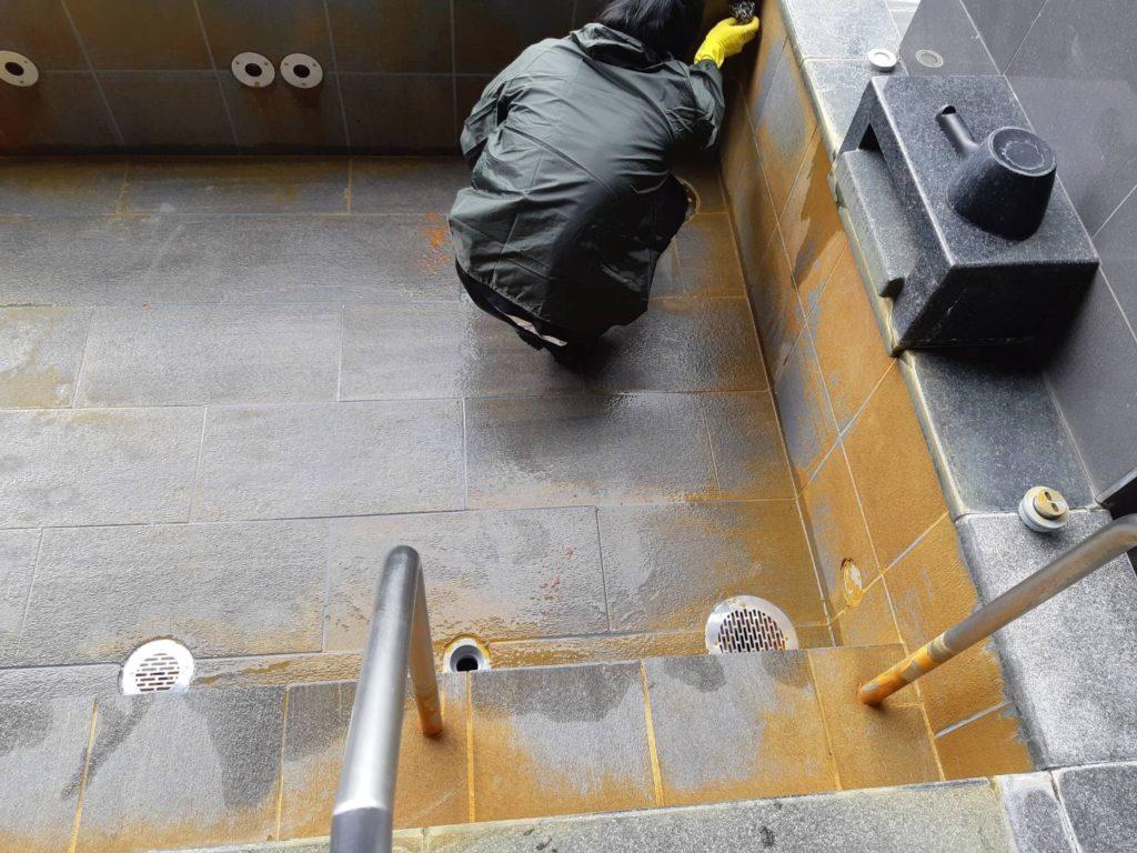 温泉施設清掃